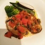 33383237 - 播磨産大粒牡蠣のムニエル 温野菜添え 焦がしバターのソース