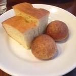 オステリアカルマ - 自家製パン