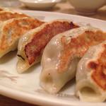 中華料理 香新 - 餃子