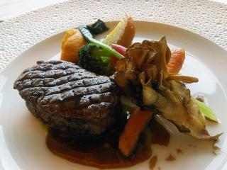 フレンチレストラン ミクニ サッポロ - 【2014年8月訪問時】3300コース:北海道産牛フィレ肉のグリエ