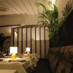 デュ・ヴァン・ハッシシ - アーバンリゾートな空間でディナー