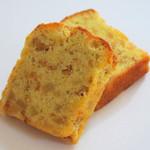 白桃とくるみのパウンドケーキ(販売期間 6月~8月)