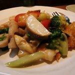水蓮 - 野菜と海鮮の炒め物(1300円)