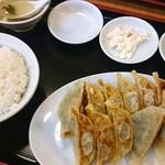 餃子苑 富丘の里 - 餃子定食 810円(税込)