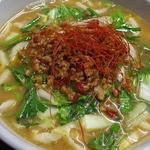 日の出食堂 - 料理写真:冬季限定 旨辛坦々麺 みそ味のスープに白菜とニラをトッピング。旨辛のひき肉が体を温めてくれます。麺は、生麺使用。