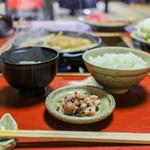 金谷 - 御飯、味噌汁、漬物☆