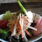 33409606 - ごぼうと旬野菜のサラダ