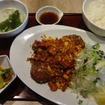 Sentohausuden - シャンラー豚(香辣醤×揚げ豚):1,400円