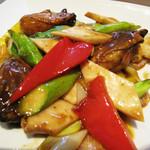 口福吉祥 喜喜龍 - 本日の主菜は、広島産牡蠣の香辣醤炒め。 クミンを効かせているとのことですが、上品なスパイシー炒めでした。