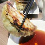 口福吉祥 喜喜龍 - とても美味しかったです! ニクニクしいざっくりとした肉餡、ジューシーな肉汁♪