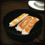 33419392 - 鉄鍋餃子 しっかり味付き‼︎
