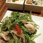 33419813 - 左上…かぶら豆腐                       右上…牛スネ肉とほうれん草の冷製                       牡蠣とアンチョビと水菜のサラダ