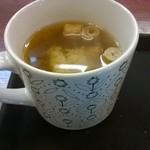 33421676 - ランチのおみそ汁はマグカップで。