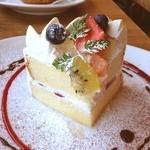 ニド・カフェ - 週末限定のショートケーキ〜♪