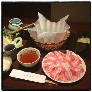 CHIRIRI 虎ノ門店 - つゆしゃぶランチ。 ¥2,000オーバーだけどしっかり美味い。 独りしゃぶしゃぶデビュー。