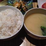 大阪屋 - 味噌汁