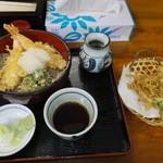 33428348 - 海老天おろし蕎麦 750円 と ごぼう天 50円 【 2014年12月 】