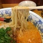 一番亭 - 中細ちょい縮れ麺