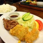 カフェレストラン マヤ - 和牛ステーキ+ヒレカツ(みそ汁+ライス+ドリンク付)\1,500  奥は和牛サーロインステーキ180g \2,000