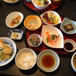 Hanamurasaki - みやび膳…サービス月で通常¥1480→¥1280でした。