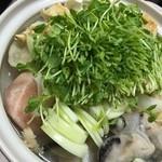 ことや - 料理写真:豆乳牡蠣鍋凄い美味しかった