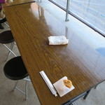 かん太村 - 店頭にある簡易テーブル