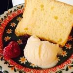 親子サロン&カフェ Nostal - ふわふわシフォンケーキ