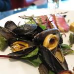 33435471 - 前菜5種類盛合せ(ムール貝の白ワイン蒸し) (2014/12)