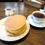 スプーンハウス - バターホットケーキ、コーヒー