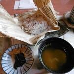 松魚亭 - 梅の蒸しご飯
