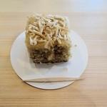 ギフトラボ ガレージ - バナナとココナッツのケーキ
