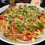寿司割烹 魚徳 - 皿うどん風サラダ