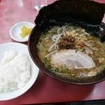 珍来 - 料理写真:【再訪】こってり味噌ラーメン+半ライス
