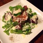 eat 産直野菜とブランド豚工房 - アボカドとサーモンのヨーグルトサラダ