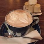 カフェ・デ・プリマベーラ - ウインナーコーヒー(730円)