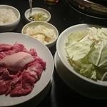 33448013 - 100分2700円生ラム&MFマトン食べ放題の野菜とお肉類