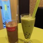 ビッグエコー - ドリンク写真:アイスココアと抹茶タピオカミルク