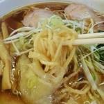 手打ち 焔 - ラーメン焔@那須塩原 ワンタンメンの麺