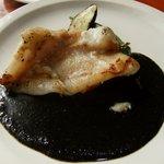 洋風レストラン Soleil - メインのマトウダイのソティ黒ごま