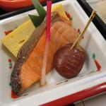 33453363 - 焼き物(玉子、鮭、栗)