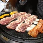 韓国料理 トヤジ - サムギョプサル!