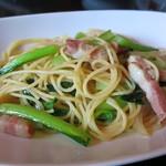 オステリア ピッカンテ ウノ - 小松菜と練馬ベーコンのスパゲッティ