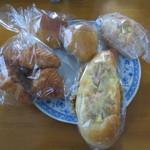 ふわふわベーカリーカフェ - 料理写真:この様に包装されて陳列されていました。