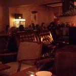 パイル カフェ エビス - 雰囲気のある店内。