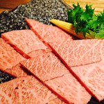 牛や 榮太郎 - ザブトン 口の中でとろける美味しさ