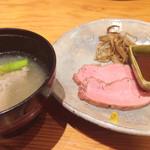 神楽坂 翔山亭 - ローストビーフと汁物