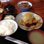 レストラン 自由軒 - 日替わり定食と、ビフテキ丼