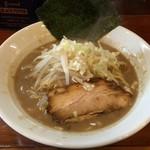麺屋 御神本 - ラーメン(680円)