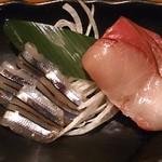 圭助 - 牛タン圭助 西葛西駅前 突出しの鰤と黍魚子の刺身