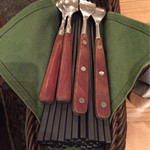 麺Dining セロリの花 - パスタみたいにフォークとスプーンもあります。